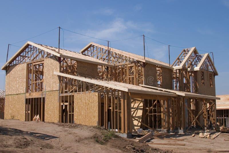 Download βασικό σπίτι στοκ εικόνα. εικόνα από αρχιτεκτονικής, προάστιο - 117163