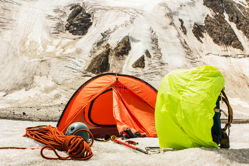 Βασικό στρατόπεδο βουνών των ορειβατών στοκ φωτογραφία με δικαίωμα ελεύθερης χρήσης