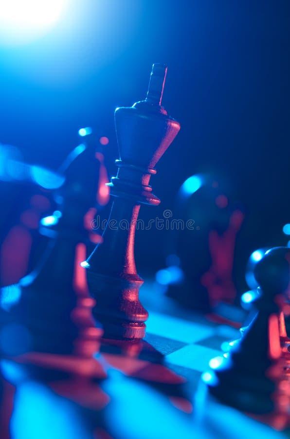 Βασιλιάς στη σκακιέρα στοκ φωτογραφίες