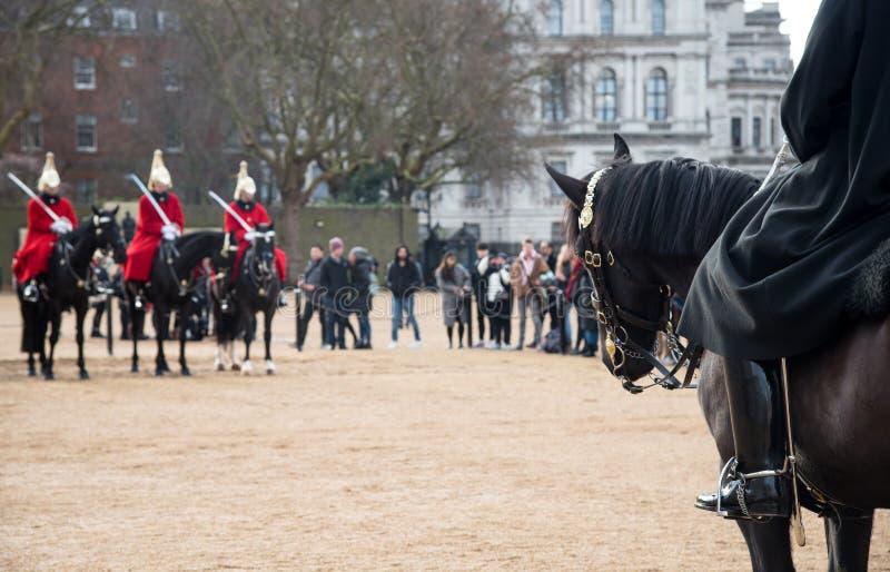 Βασιλικές φρουρές αλόγων, Λονδίνο, Μεγάλη Βρετανία στοκ φωτογραφία με δικαίωμα ελεύθερης χρήσης