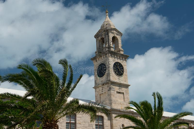Βασιλικοί ναυτικοί πύργοι ρολογιών ναυπηγείων στις Βερμούδες στοκ εικόνα με δικαίωμα ελεύθερης χρήσης