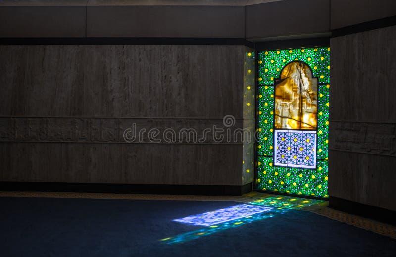 Βασιλιάδων μεγάλο μουσουλμανικό τέμενος αερολιμένων του Khalid διεθνές στοκ εικόνες
