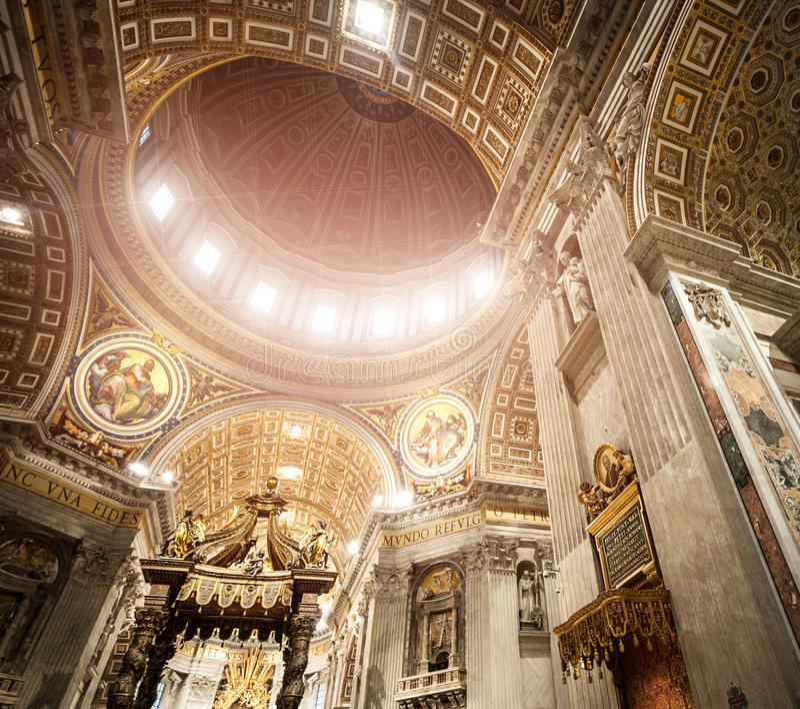 Βασιλική του ST Peter σε Βατικανό μέσα στοκ εικόνα με δικαίωμα ελεύθερης χρήσης