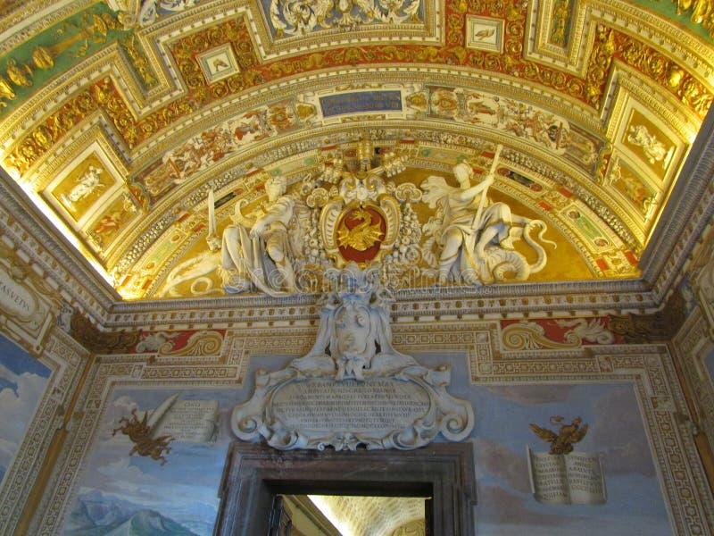Βατικανό, Ρώμη, Ιταλία Ανώτατο όριο τέχνης στο μουσείο, έργα ζωγραφικής στους τοίχους ελεύθερη απεικόνιση δικαιώματος