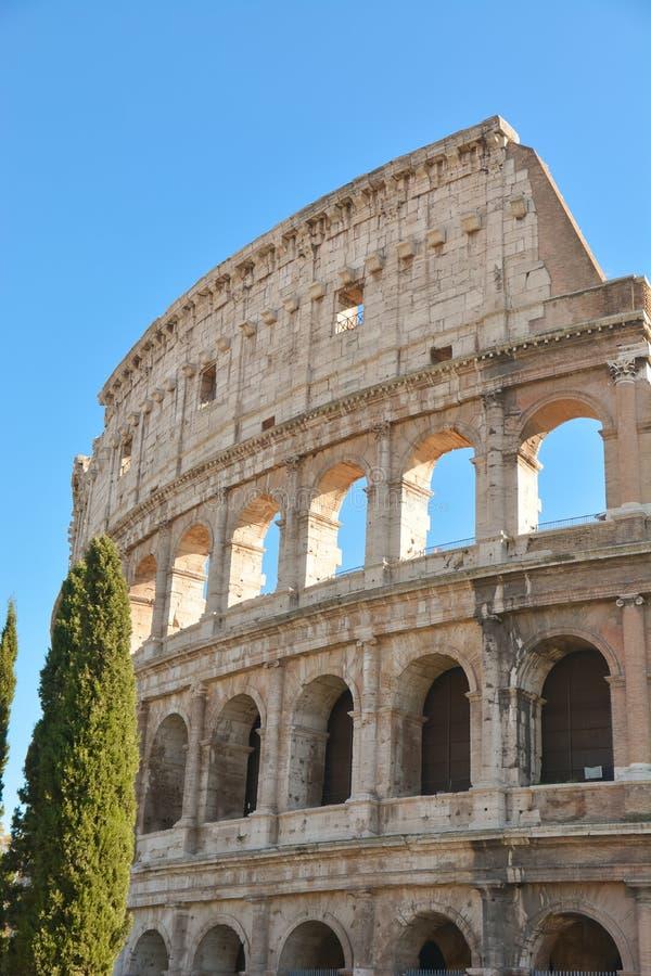 Βεβαιώστε τα γεγονότα του παρελθόντος, το αρχαίο θέατρο του Colos στοκ φωτογραφίες