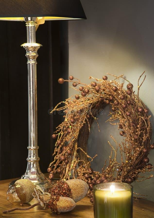 Βελανίδια γυαλιού, και χρυσή γιρλάντα στοκ εικόνα