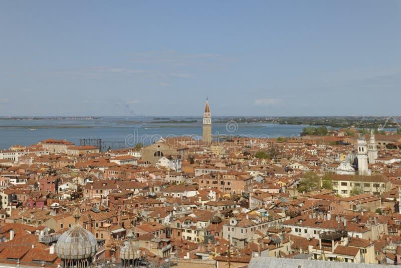 Βενετία, Ιταλία: παραδοσιακή σκηνή πόλεων της Βενετίας citiyscape και άποψη θάλασσας στοκ εικόνες με δικαίωμα ελεύθερης χρήσης