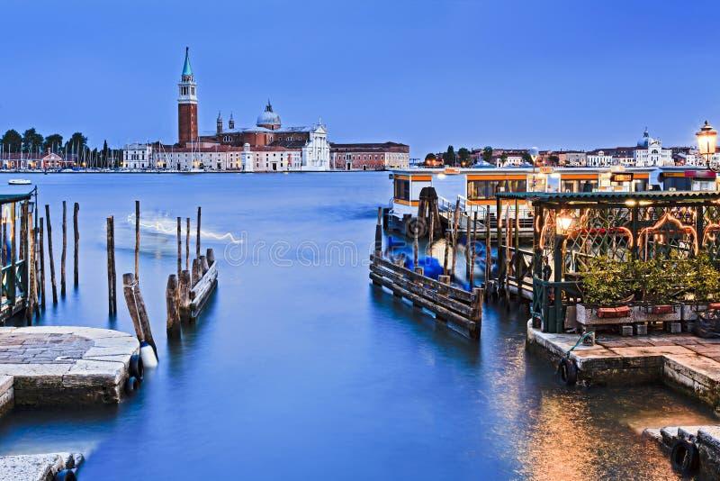 Βενετία Ducale 2 μπλε ηλιοβασίλεμα Maggiore στοκ εικόνες