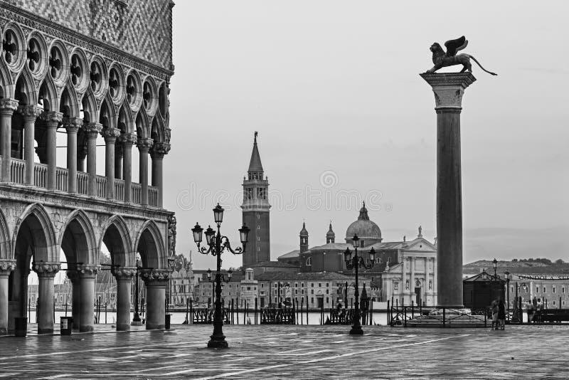 Βενετία Marco 2 bw Maggiore αποβαθρών στοκ φωτογραφία