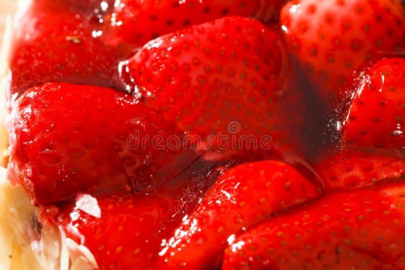 βερνικωμένη κέικ φράουλα στοκ εικόνες με δικαίωμα ελεύθερης χρήσης