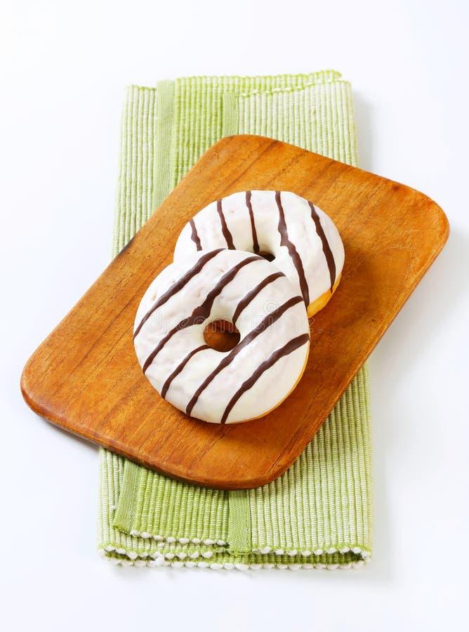 Βερνικωμένος donuts στοκ εικόνες