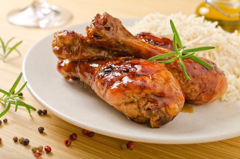Βερνικωμένο σκόρδο κοτόπουλο μελιού στοκ εικόνες