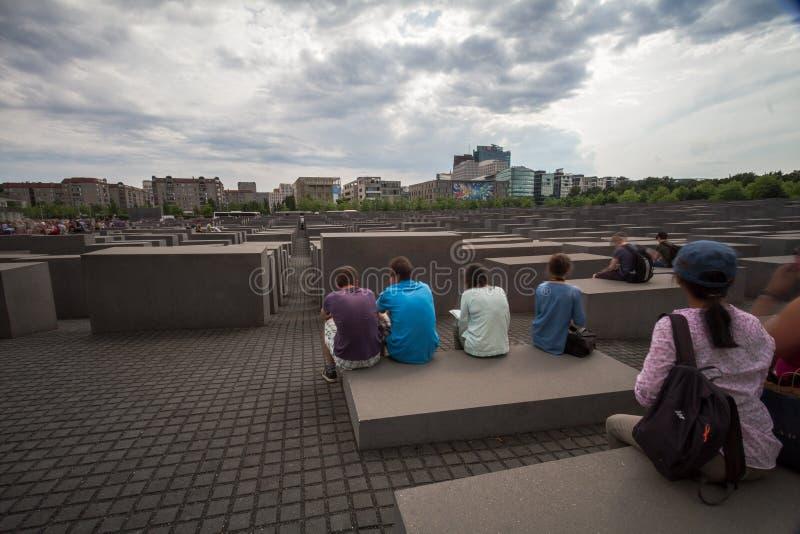 4 6 2017 ΒΕΡΟΛΙΝΟ ΓΕΡΜΑΝΙΑ: Εβραϊκός ορίζοντας πόλεων μουσείων και του Βερολίνου ολοκαυτώματος αναμνηστικός, Βερολίνο, Γερμανία στοκ φωτογραφία με δικαίωμα ελεύθερης χρήσης