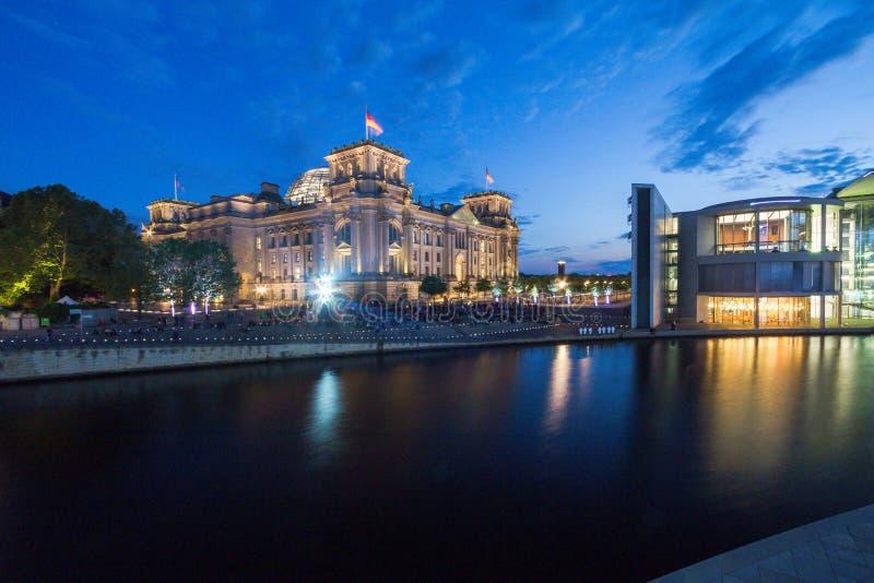 7 9 2017 ΒΕΡΟΛΙΝΟ, ΓΕΡΜΑΝΙΑ: Πανοραμική άποψη του διάσημου κτηρίου Reichstag, έδρα του γερμανικού Κοινοβουλίου (Deutscher Ομοσπον στοκ φωτογραφίες