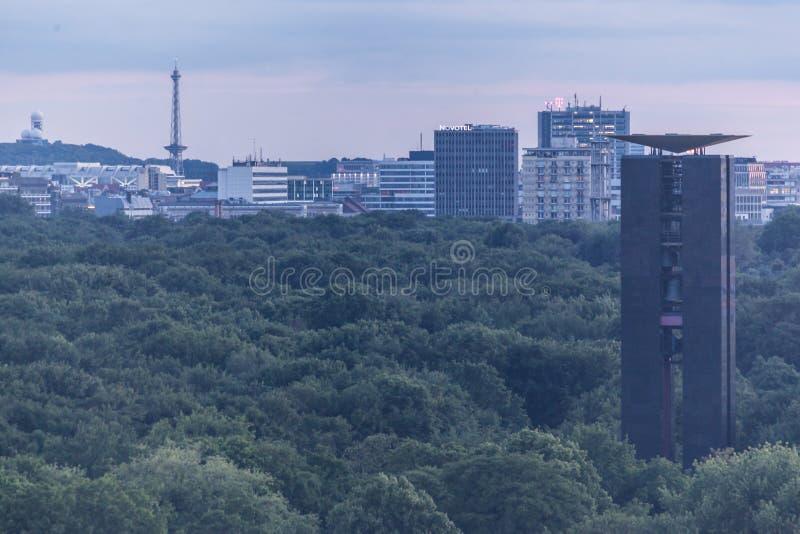 Download Βερολίνο Tiergarten Γερμανία Εκδοτική Φωτογραφία - εικόνα από δέντρα, γερμανικά: 62707197