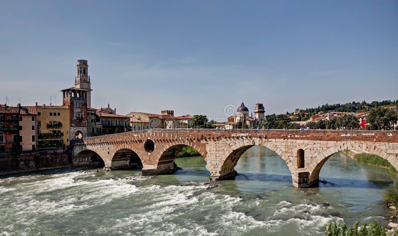 Βερόνα, Ιταλία, 14 Σεπτεμβρίου 2019: Πόντε Πίτρα στοκ εικόνες
