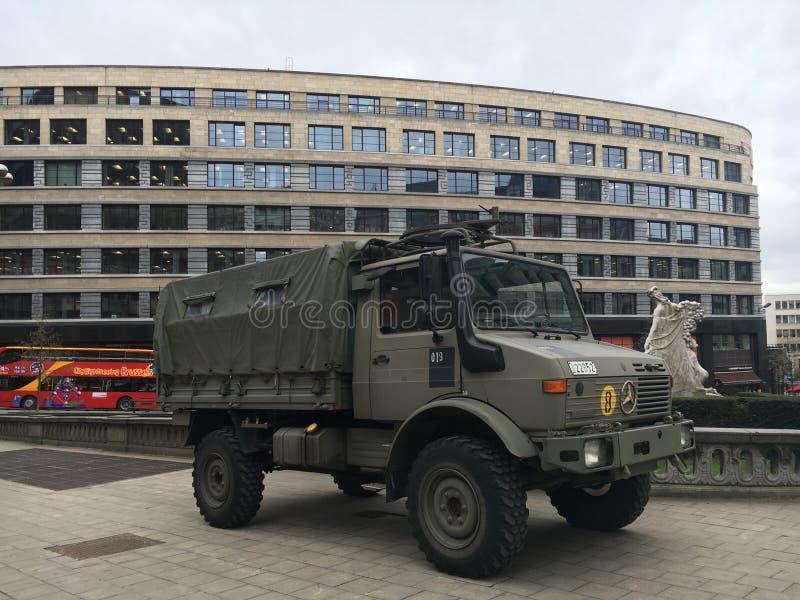 Βελγικό φορτηγό στρατού στις Βρυξέλλες στοκ εικόνες