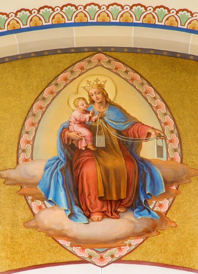 Βιέννη - νωπογραφία Madonna από το Josef Kastner από τα έτη 1906 - 1911 στην εκκλησία Carmelites σε Dobling. στοκ εικόνα