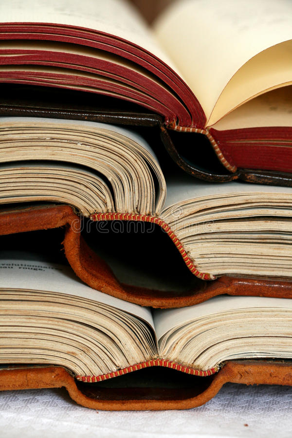 Download βιβλία ανοικτά στοκ εικόνες. εικόνα από κλασικοί, άκρες - 13176964