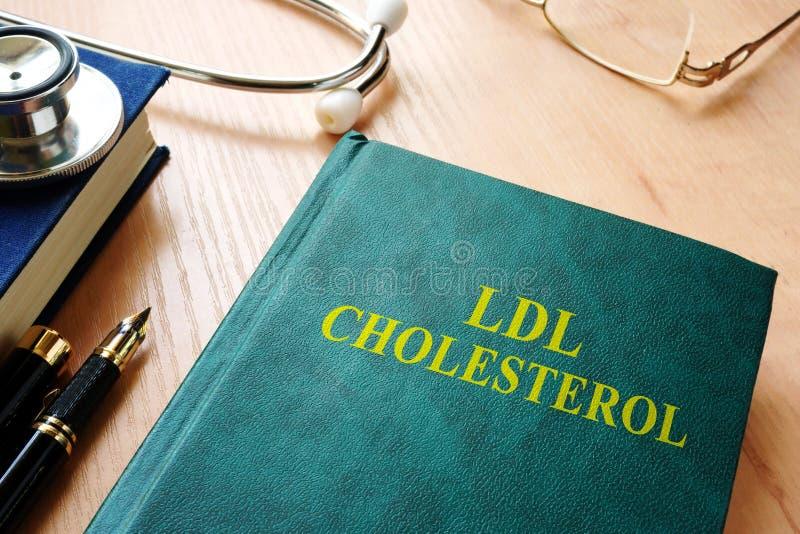 Βιβλίο για τη χοληστερόλη ldl στοκ εικόνα με δικαίωμα ελεύθερης χρήσης