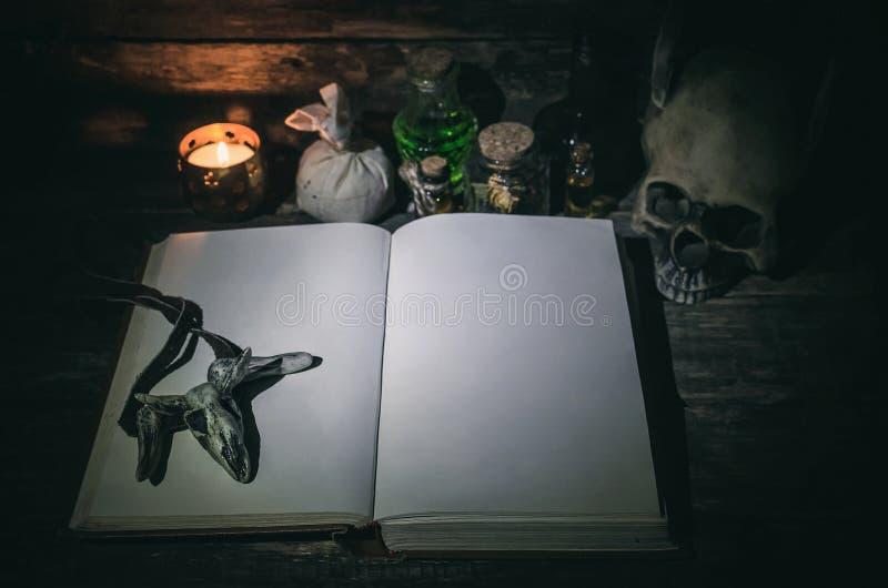 Βιβλίο μαγικού στοκ φωτογραφίες