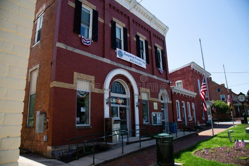 Βιβλιοθήκη και Δημαρχείο MD Sharpsburg στοκ εικόνες