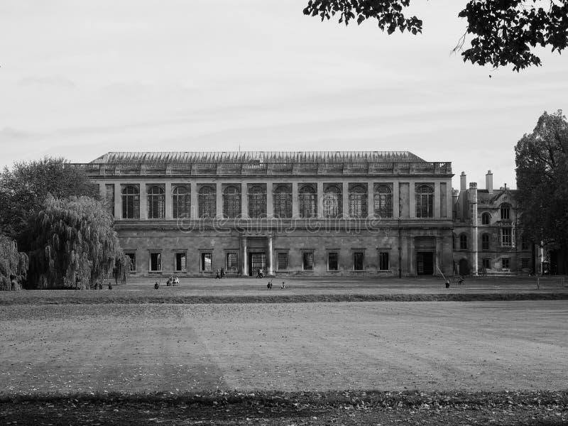 Βιβλιοθήκη Wren κολλεγίου τριάδας στο Καίμπριτζ σε γραπτό στοκ φωτογραφία με δικαίωμα ελεύθερης χρήσης