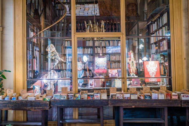 Βιβλιοπωλείο στο Παρίσι galerie Vivienne στοκ φωτογραφία με δικαίωμα ελεύθερης χρήσης