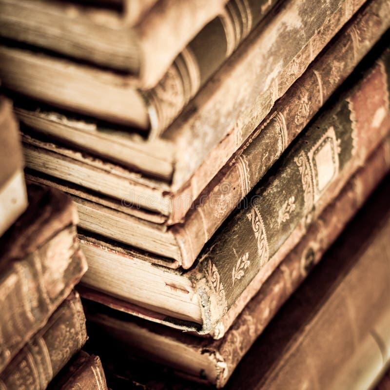 βιβλία που συσσωρεύονται στοκ εικόνα