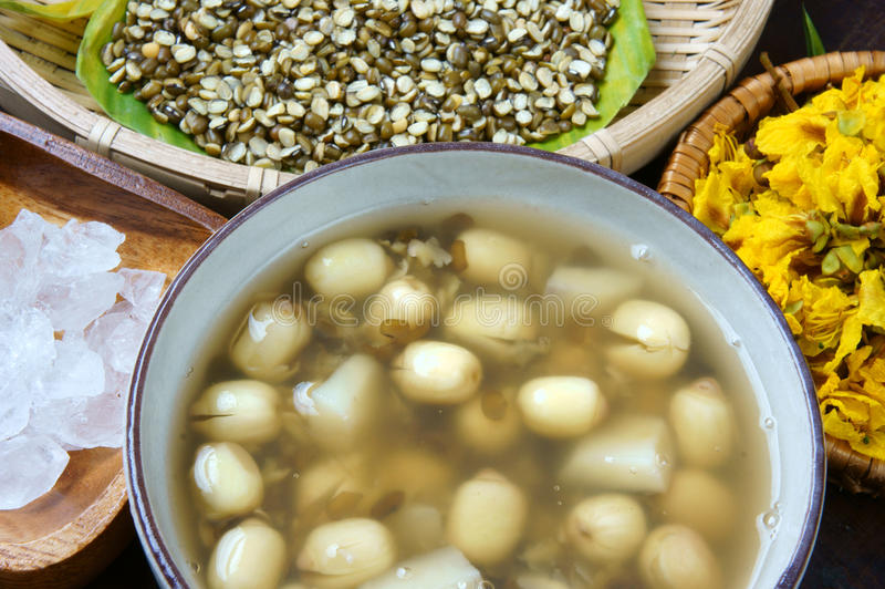 Βιετναμέζικα τρόφιμα, γλυκό gruel σπόρου λωτού στοκ φωτογραφία με δικαίωμα ελεύθερης χρήσης