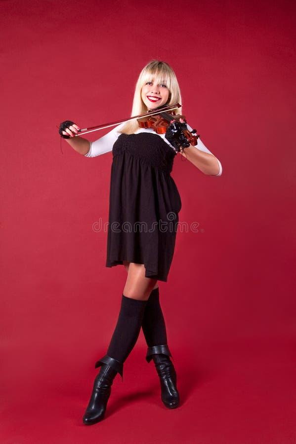 βιολί στούντιο χαμόγελο&u στοκ φωτογραφία με δικαίωμα ελεύθερης χρήσης