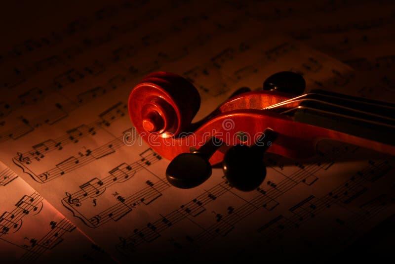 βιολί φύλλων μουσικής στοκ φωτογραφία
