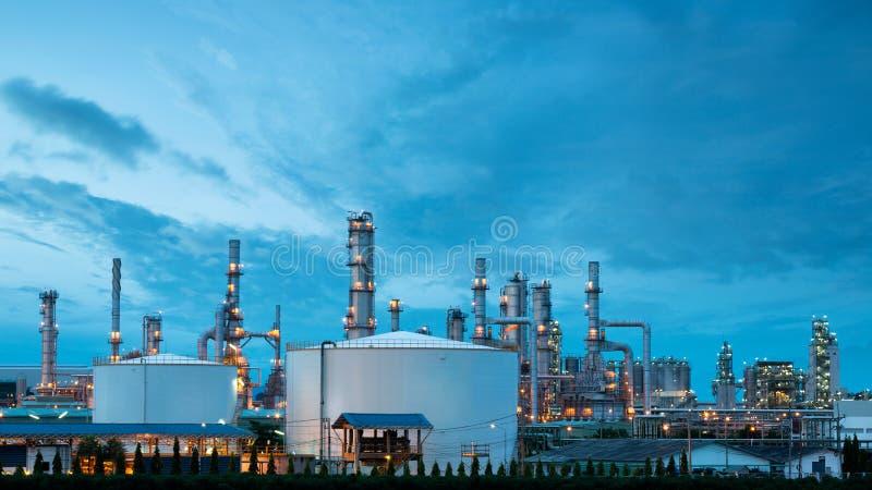Βιομηχανία διυλιστηρίων πετρελαίου εργοστασίου πετροχημικών στοκ φωτογραφίες