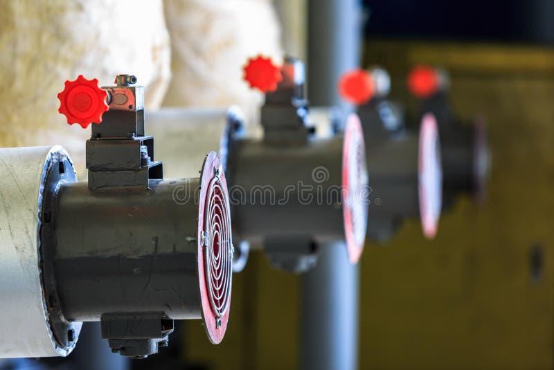 Βιομηχανικός ανεμιστήρας ανεμιστήρων για τον αέρα εξαερισμού και τη θερμοκρασία ψύξης στοκ φωτογραφία