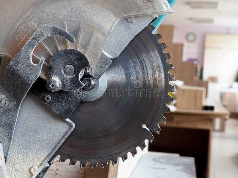 Βιομηχανικός εξοπλισμός για την παραγωγή επίπλων στοκ φωτογραφία με δικαίωμα ελεύθερης χρήσης