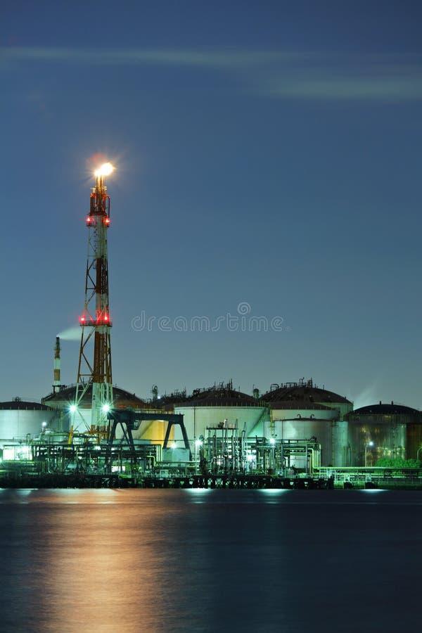 Βιομηχανικός σύνθετος τη νύχτα στοκ εικόνα με δικαίωμα ελεύθερης χρήσης