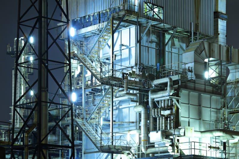 Βιομηχανικός σύνθετος τη νύχτα στοκ φωτογραφίες