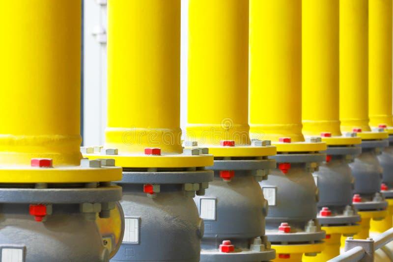 βιομηχανικός χάλυβας σωλήνων σωληνώσεων αερίου λεπτομέρειας περιοχής κίτρινος στοκ φωτογραφίες