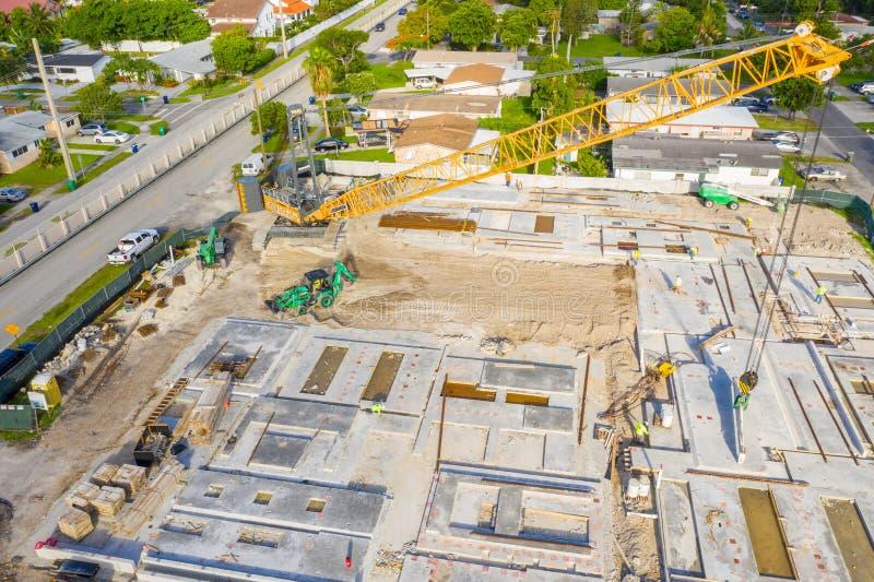Βιομηχανικό εργοτάξιο οικοδομής για το σχολείο εκπαίδευσης στοκ εικόνα