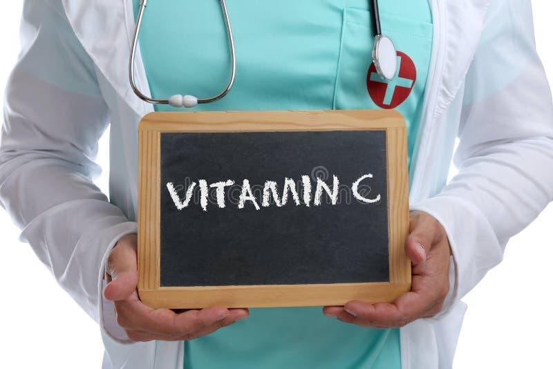Βιταμίνης C βιταμινών υγιής κατανάλωσης υγεία γιατρών τρόπου ζωής νέα στοκ φωτογραφία με δικαίωμα ελεύθερης χρήσης