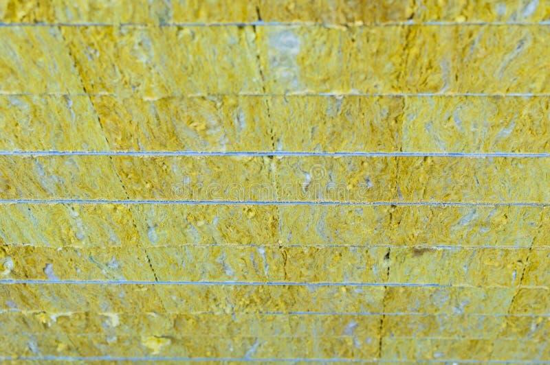 Βιώσιμος επιτροπής σάντουιτς συσκευασίας που μονώνεται Υλικό ινών για το κτήριο τοίχων παλαιό παράθυρο σύστασης λεπτομέρειας ανασ στοκ εικόνα