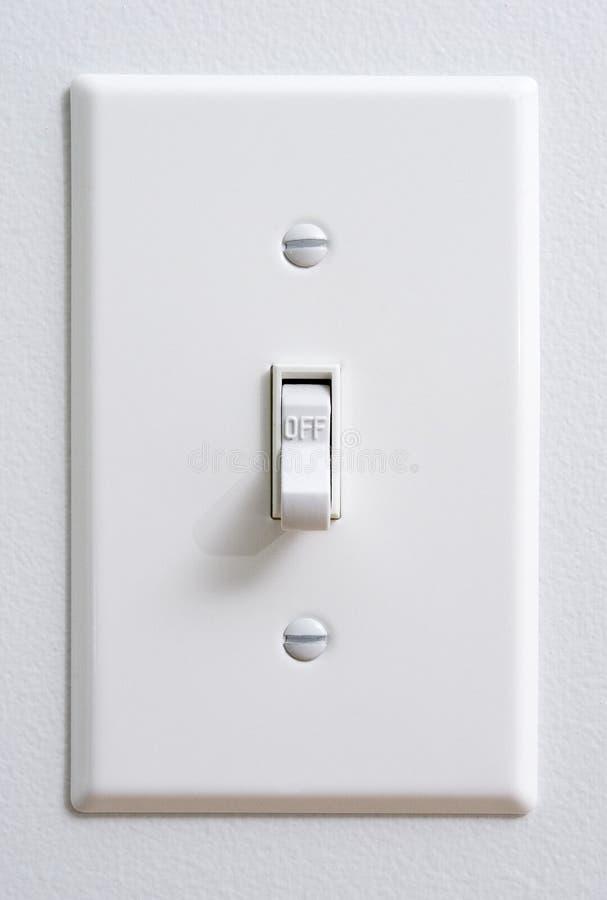 Βιώσιμος πράσινος ενεργειακός ελαφρύς διακόπτης που κλείνεται στοκ φωτογραφία