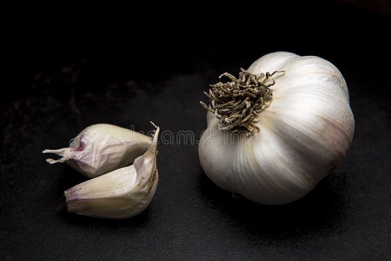 Βολβός και γαρίφαλα σκόρδου στοκ φωτογραφίες με δικαίωμα ελεύθερης χρήσης