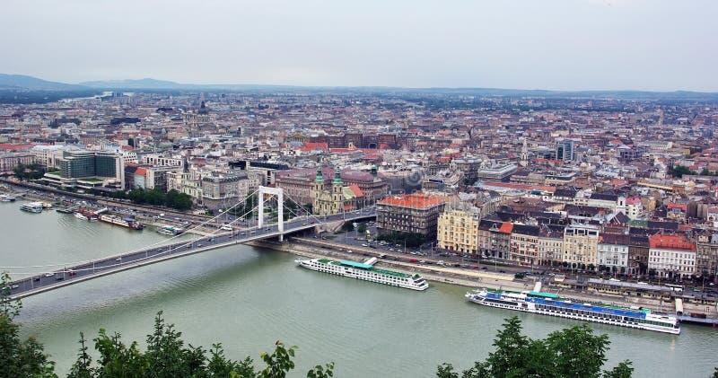 Download Βουδαπέστη επάνω στην όψη στοκ εικόνα. εικόνα από στοά - 13190111