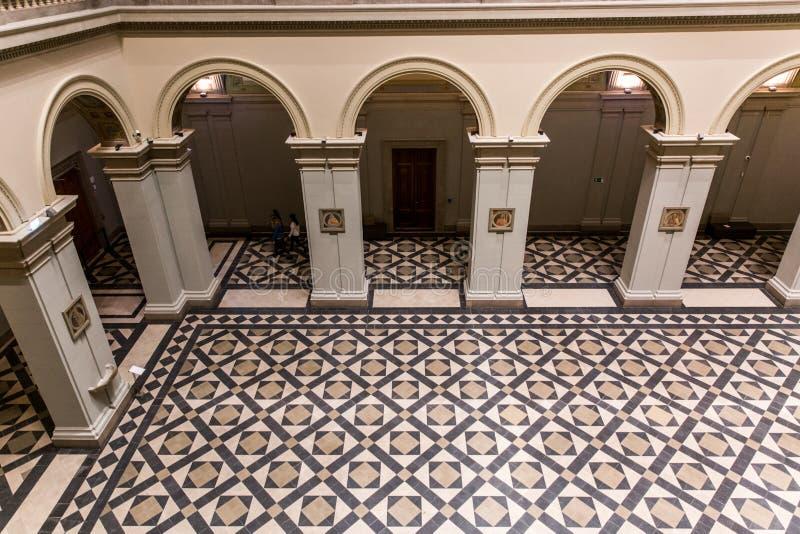 ΒΟΥΔΑΠΕΣΤΗ, ΟΥΓΓΑΡΙΑ - 3 ΑΠΡΙΛΊΟΥ 2019: Εσωτερικό του μουσείου Καλών Τεχνών στη Βουδαπέστη, Ουγγαρία στοκ φωτογραφίες με δικαίωμα ελεύθερης χρήσης