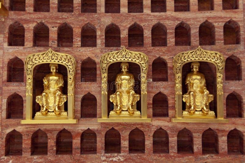 Βουδιστικές σπηλιές δέκα χιλιάδων στον ουρανό του κεφαλαίου Θεών της  στοκ εικόνα με δικαίωμα ελεύθερης χρήσης