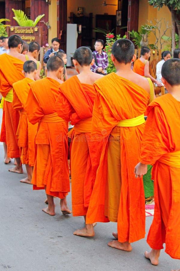 βουδιστικοί μοναχοί του Λάος στοκ εικόνες