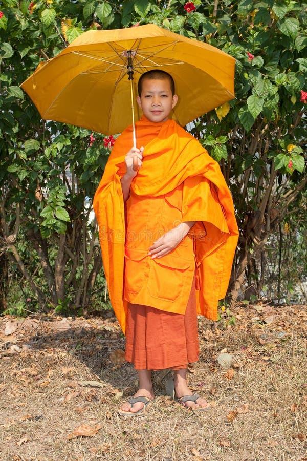 Download βουδιστικός μοναχός το&upsi Στοκ Εικόνες - εικόνα από καλλιέργεια, άτομο: 13183318