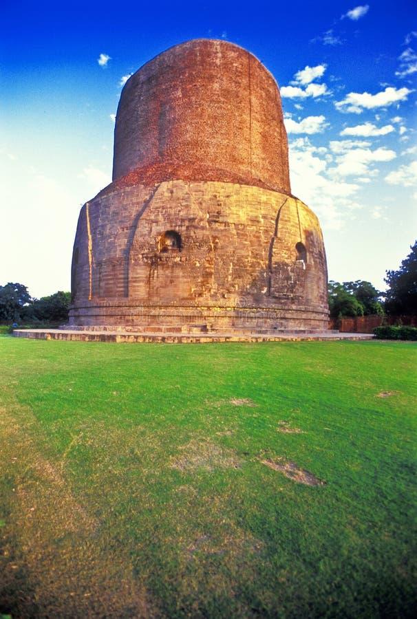 βουδιστικός ναός stupa sarnath στοκ εικόνα με δικαίωμα ελεύθερης χρήσης