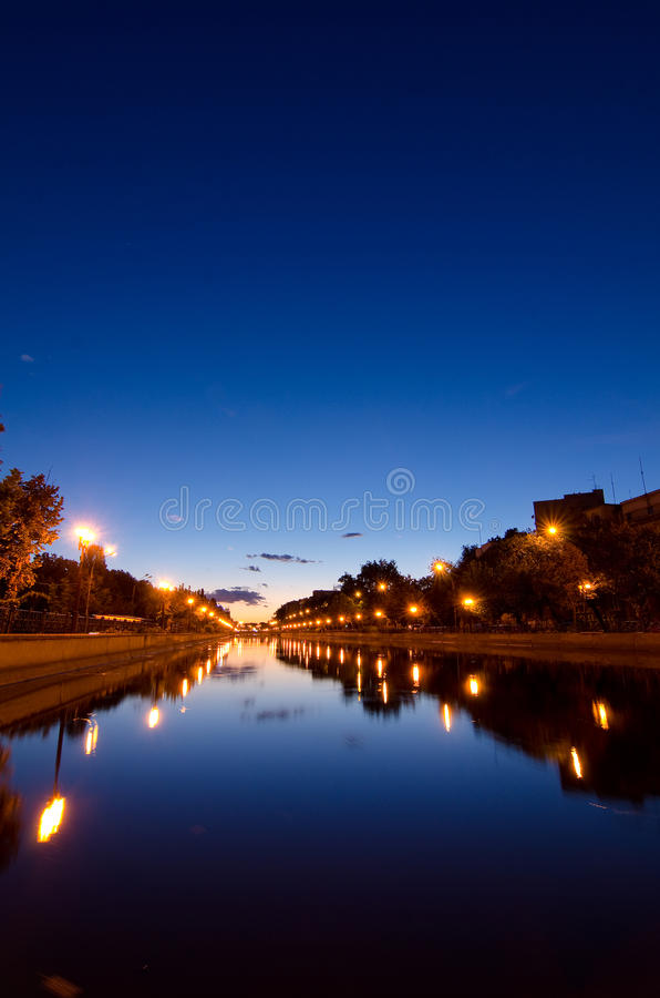 Βουκουρέστι στο ηλιοβασίλεμα στοκ εικόνα με δικαίωμα ελεύθερης χρήσης